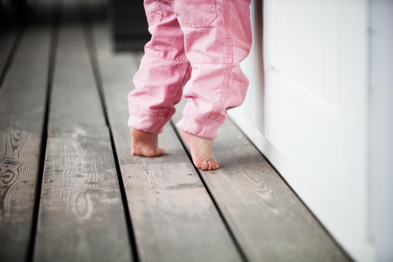 daughter toe walking