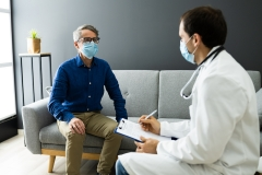 patient meets with doctor